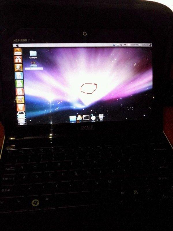 Tampilan laptop saya waktu pakai macbuntu, harap maklum karena foto  pakai hape